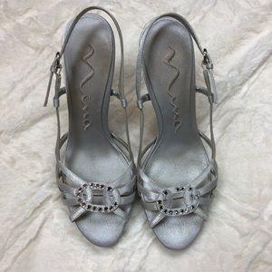 Nina silver shoes size 6 1/2